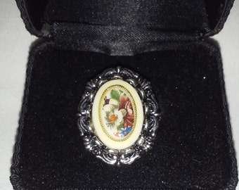 Floral Victorian Inspired Ring R107
