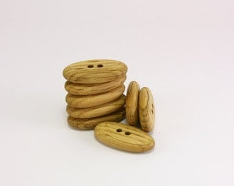 Wooden buttons - 1.3 in (32mm) - Set of 8 oval oak wood buttons - Natural handmade buttons - Craft supplie (O4218)