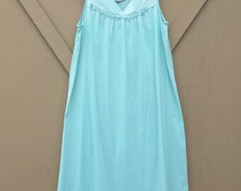 Vanity Fair vintage Aqua Blue-Green Sheer Nylon Nightgown