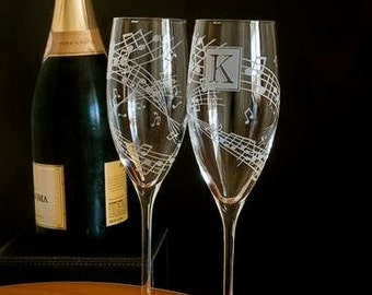 2 Classic Music Themed Wedding Champagne Flutes, Music Lovers Reception Decor, Gift for Couple