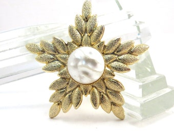 Goldtone Snowflake with Faux Pearl Center Brooch Vintage 1950s Star Broach