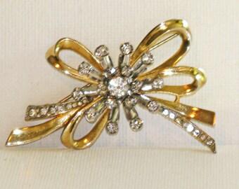 Vintage Gold Tone Clear Rhinestone Bow Brooch Pin (B-3-3)