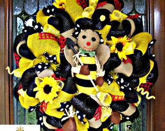 Burlap Bumble Bee Mesh Wreath