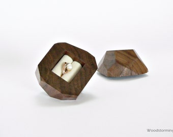 Faceted wood ring box with cream-white pillow - engagement ring box - original proposal gift by Woodstorming - MADE TO ORDER
