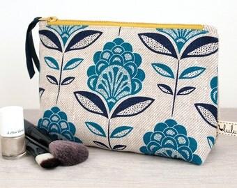 Makeup bag with peacock flower print