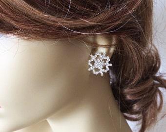 Snowflake earrings,christmas jewelry, snowflake jewelry, holiday, christmas, Winter Wedding, winter, rhinestone bridesmaid gift wholesale