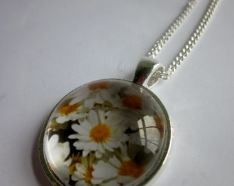 SALE - 25% OFF. Daisies pendant statement necklace with Swarovski crystal