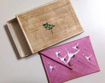 Pink silk coin purse with hand-painted cranes with box - Japan 1950s