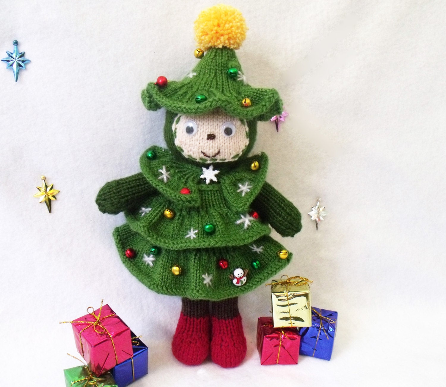 Christmas tree doll. Toy knitting pattern. Christmas