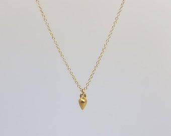 Tiny Teardrop Necklace  EN013
