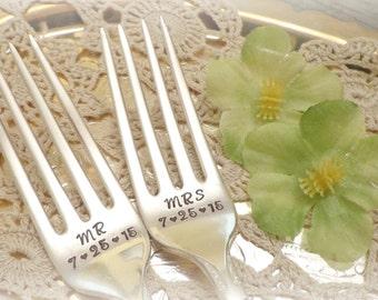 Mr. & Mrs. Forks with Wedding Date. Wedding Cake Fork Set. Custom Hand Stamped Vintage Silverware by PrettyAgnes.