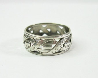 Vintage 1940s Wedding Band Ring - Antique - Sterling Silver - Size 7 - Patterned Band - Rectangles - Flowers