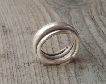 Sterling Silver Twisted Band Ring, Unisex Handmade Simple and Modern Ring, Unique Minimalist Band Ring, Mens Ring, Promise/Engagement Ring