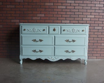 French Provincial Dresser / Painted Dresser / Country French Dresser / Shabby Cottage Chic Dresser