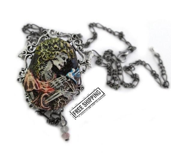Skeleton Lady cameo - gothic jewelry Gothic victorian - macabre jewelry - Gothic lolita - skull jewelry - memento mori jewelry - pastel goth