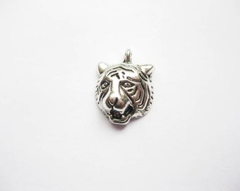 8 Tiger Head Charms in Silver Tone - C2004