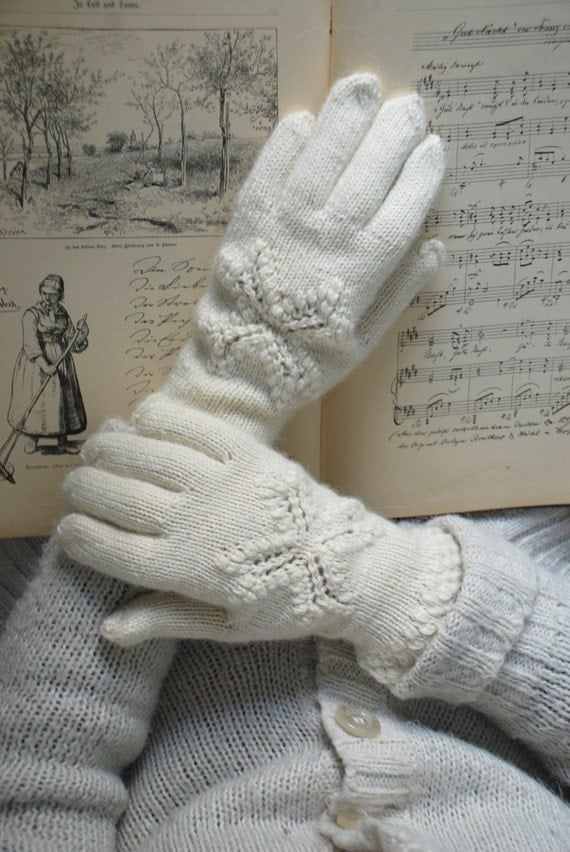 Knitting Pattern For Lace Gloves : Knit gloves with lace pattern knit lace gloves hand knitted