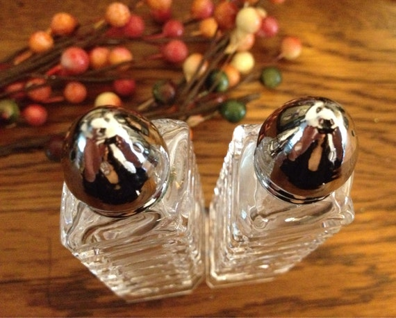 Items Similar To Unique Vintage Salt And Pepper Shakers On