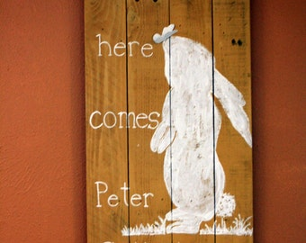Easter-Here Comes Peter Cottontail Pallet Sign
