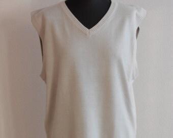 Mens sweater vest v-neck vest 80s sweater vest minimalist mens knit vest beige vintage golf waistcoat Large size
