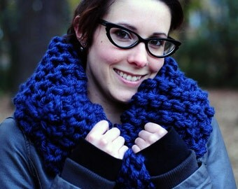 Outlander cowl, Hand knit cowl, navy blue cowl, snood scarf, gift for her, Christmas gift, Birthday gift, accessories