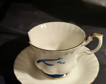 "Chipped cup replica from ""once upon a time"""