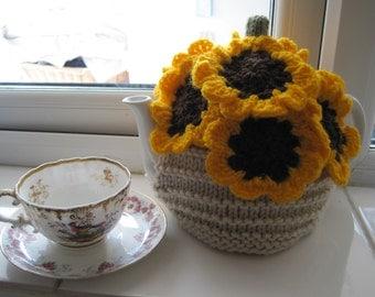 Knitting pattern for SUNFLOWER TEA COSY - flower is crocheted
