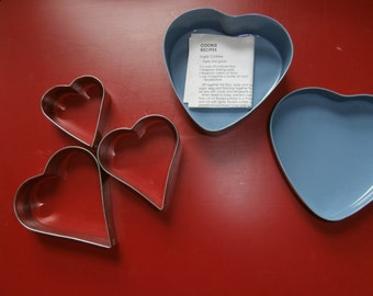 1987 TIN With COOKIE CUTTERS Heart Shaped