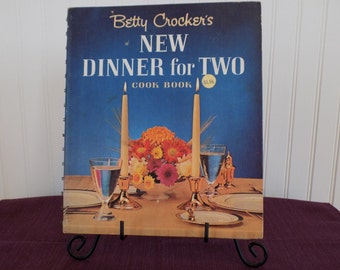 Betty Crocker's New Dinner for Two Cook Book, Vintage Cookbook 1964