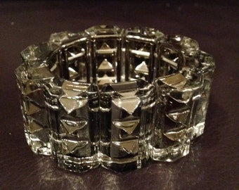 Punk/Emo Metal Pyramid Studded Fashion Bracelet