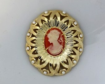 Vintage Brooch with Cameo, Gold Color, 40x46mm (B1-6)
