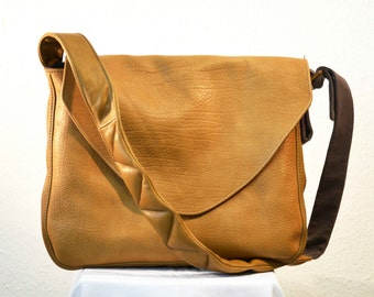 Elbin Shoulder Bag, lether, beige, free shipment