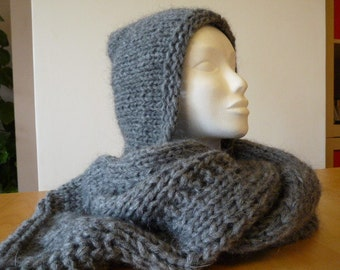 Wool scarf with hood handmade