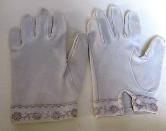 Vintage Beige Gloves with Embroidery