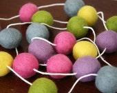 Spring Garland, Easter Garland, Pastel Easter Garland, Pom Pom Garland, Banner, Party Decor, Mantel Decoration, Felt Ball Garland
