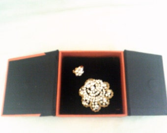 Large and small KENJI Goldtone Broach Estate