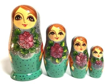 Vintage Wooden Russian Nesting Doll, MATPËWKA, Matrioshka, Matryoshka, Matreshka, Babushka, Stacking Set. Flowers and Polka Dots.