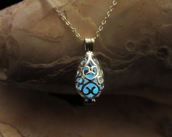 Glow in the dark silver   necklace