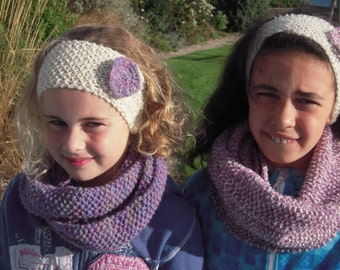 handknitted cowl/scarf