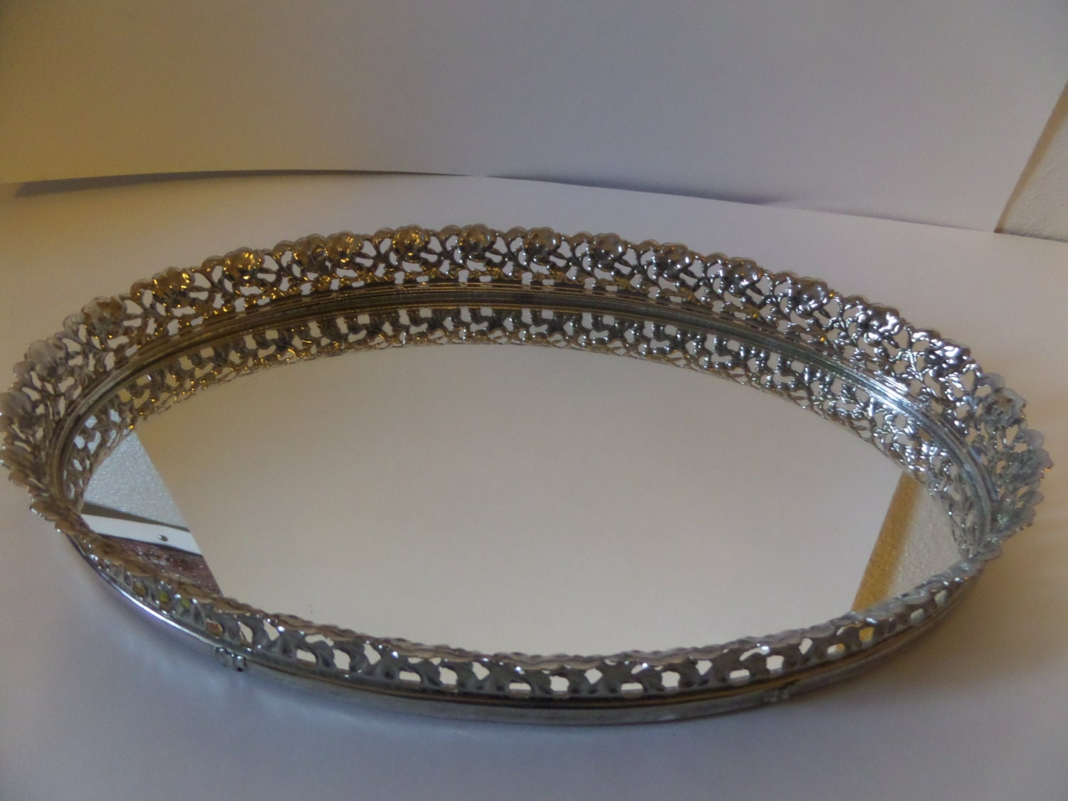 Vintage silver decorative oval mirror for Fancy oval mirror