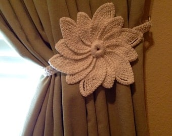 Crochet Curtain Tiebacks (1 pair) - white flower