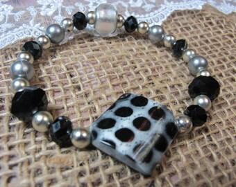 Black & White Stretch Bracelet