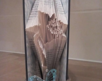 Book folding art pattern for a Daffodil