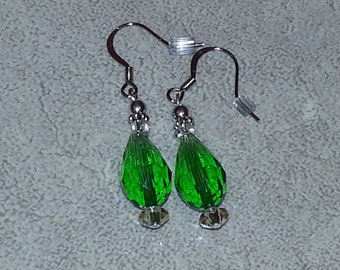 Brilliant Emerald Green Tear Drop earrings