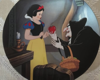 "Disney's Snow White ""The Poison Apple"" Collectible Plate"
