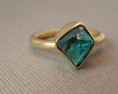 18kt yellow gold  raw uncut Apatite gem  size 5
