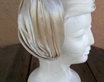 Vintage 1970s Hat Asymmetrical Tilt 40s Style Ivory White Velveteen 2014496