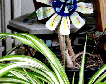 Fused Glass Garden Art - Awesome White Glass Flower