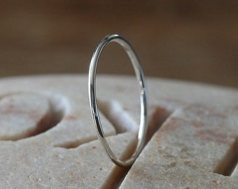 Thin Stacking Ring in Sterling Silver, Skinny Ring, Size 2 to 15,Small Stacking Ring,Stacker Ring,Solitaire Ring, Midi Ring, Delicate Ring