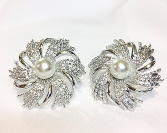 Lovely Silver and Pearl Clip On Earrings